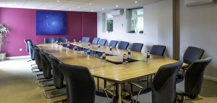 Meeting rooms suitable for 9-26 people